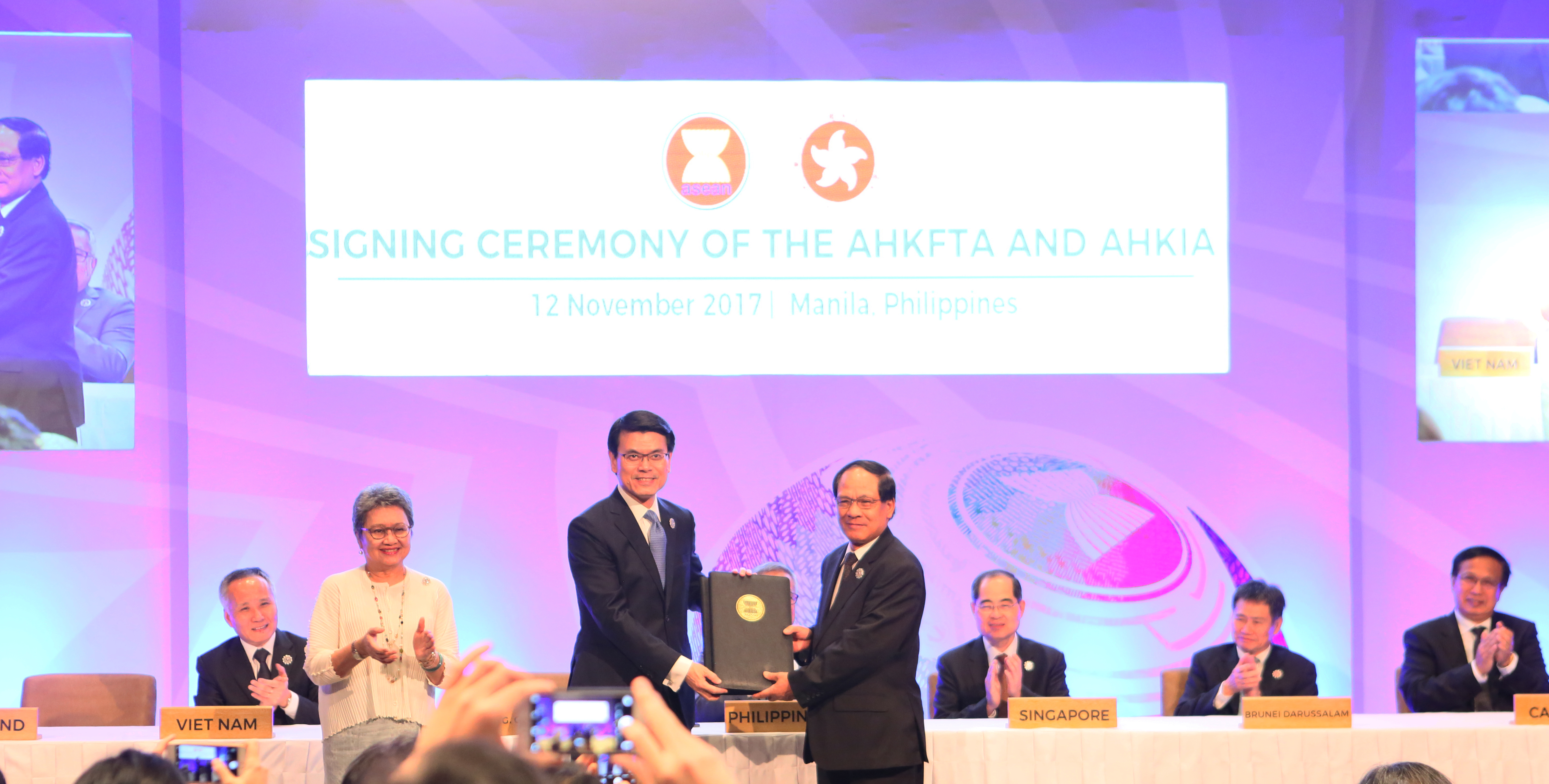 Free Trade Agreement With China The Signing Of The Aseanhongkong China Free Trade Agreement And